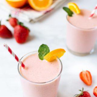 strawberry banana yogurt smoothies recipe