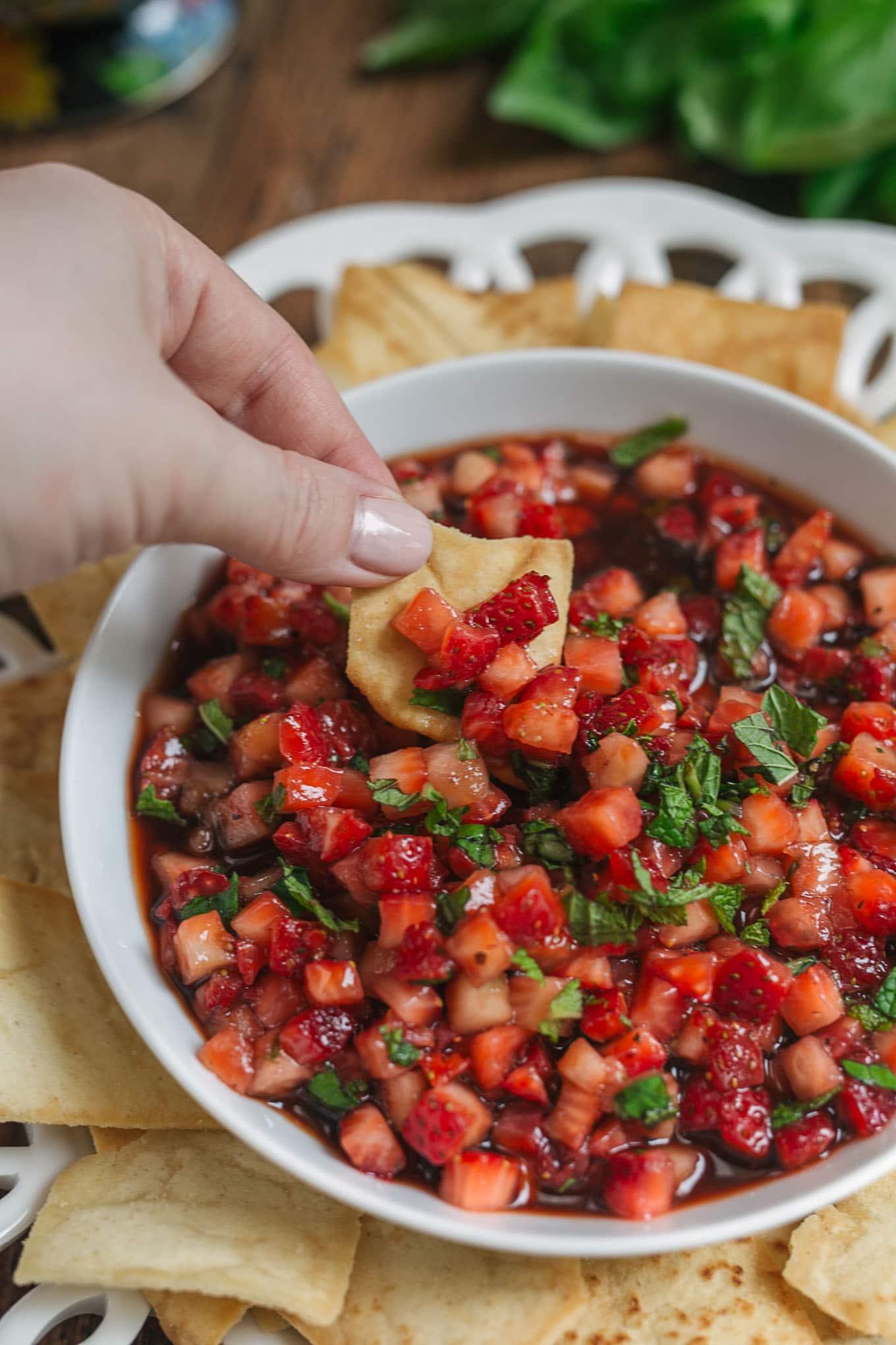 strawberry balsamic salsa pita chip