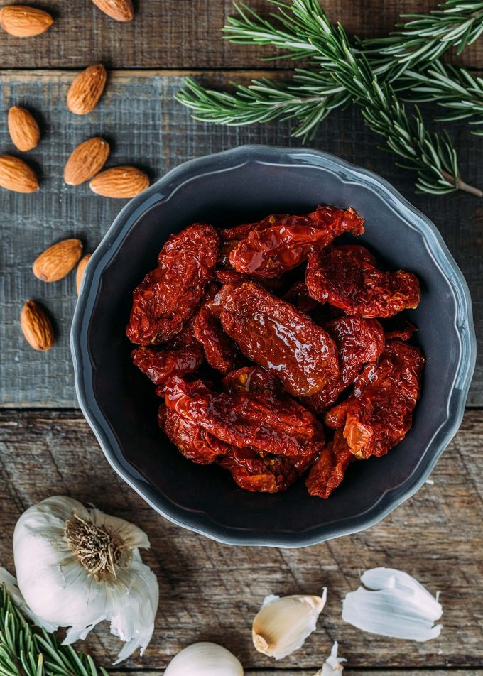 dry-packed sun-dried tomatoes for pesto rosso