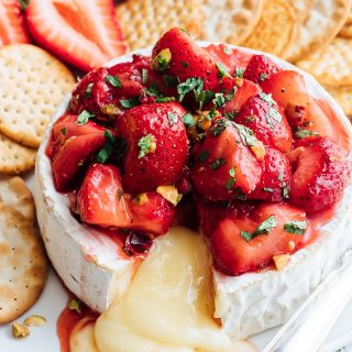 baked brie recipe with honey roasted strawberries {sponsored}