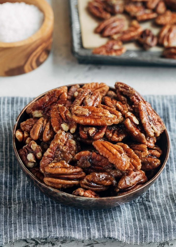 bowl of caramelized pecans