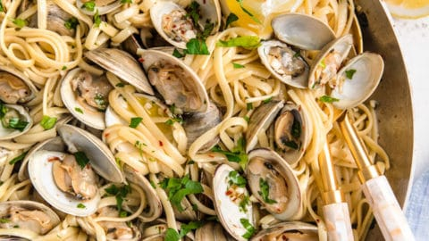 Linguine with Clams (Linguine alle Vongole)