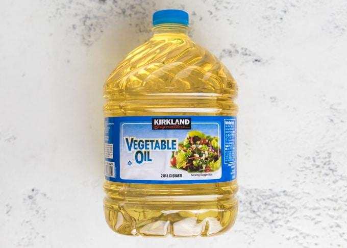 jug of kirkland vegetable oil